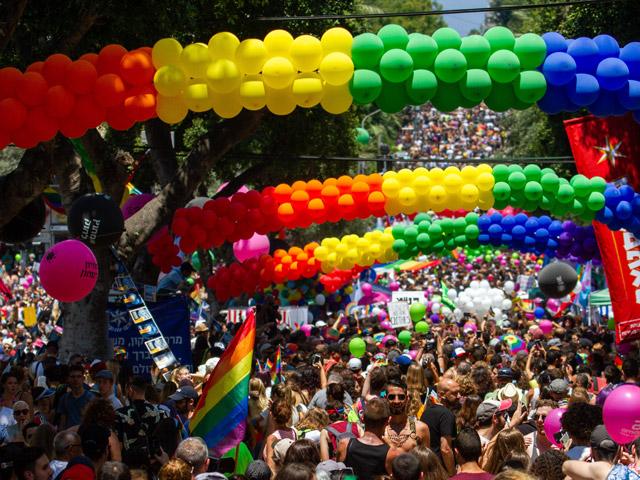 """В Тель-Авиве проходит """"Парад гордости"""" представителей ЛГБТ-общиныFlash90"""