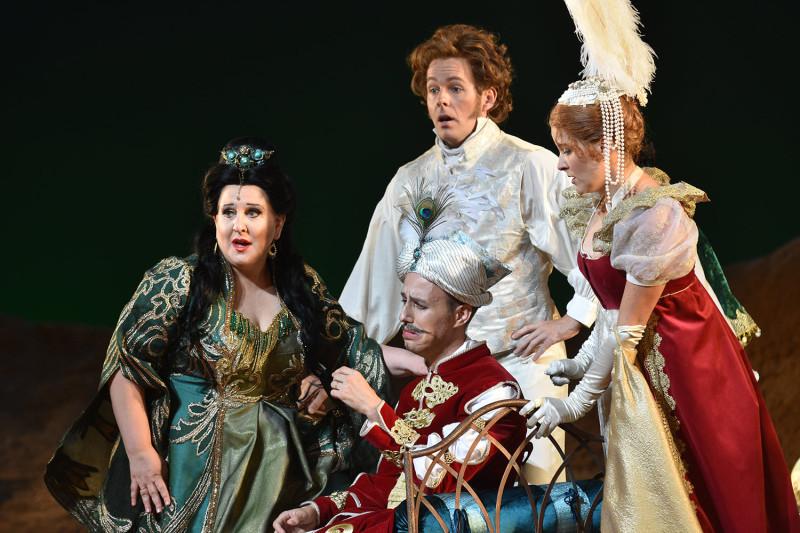 Сцена из оперы «Итальянка в Алжире»