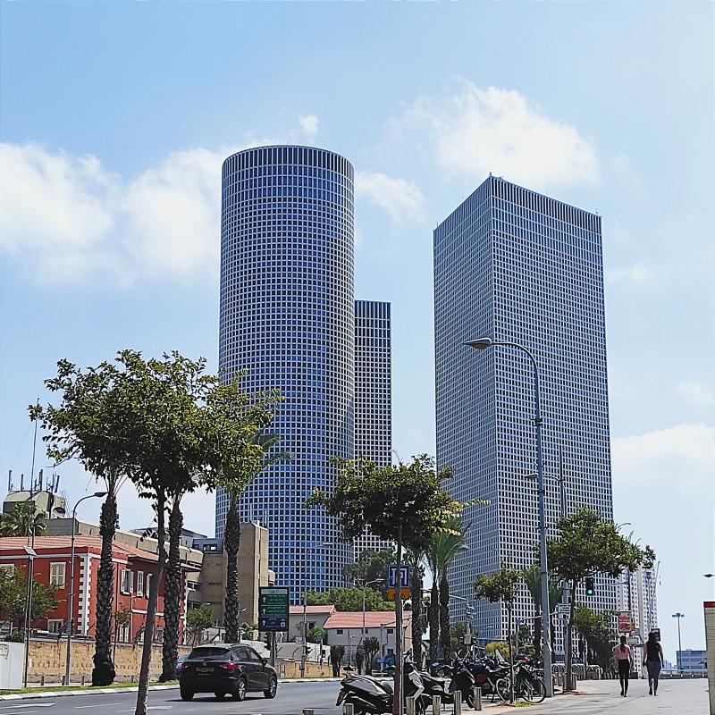 Тель-Авив. Башни Азриэли
