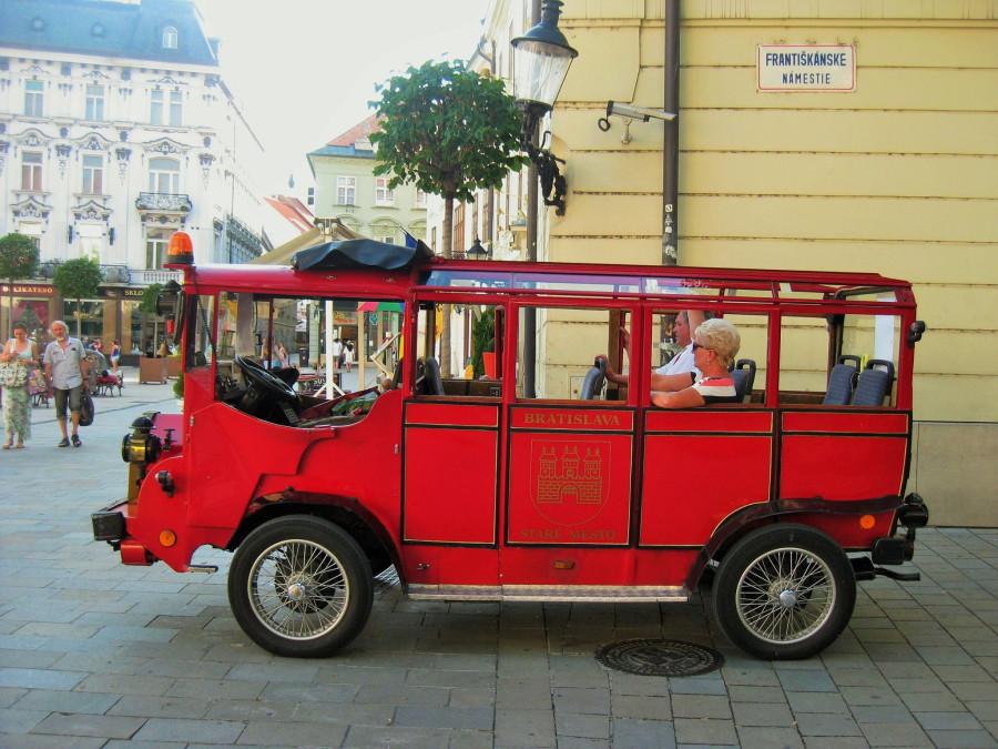 Красный автобус. Жаль, не покатались