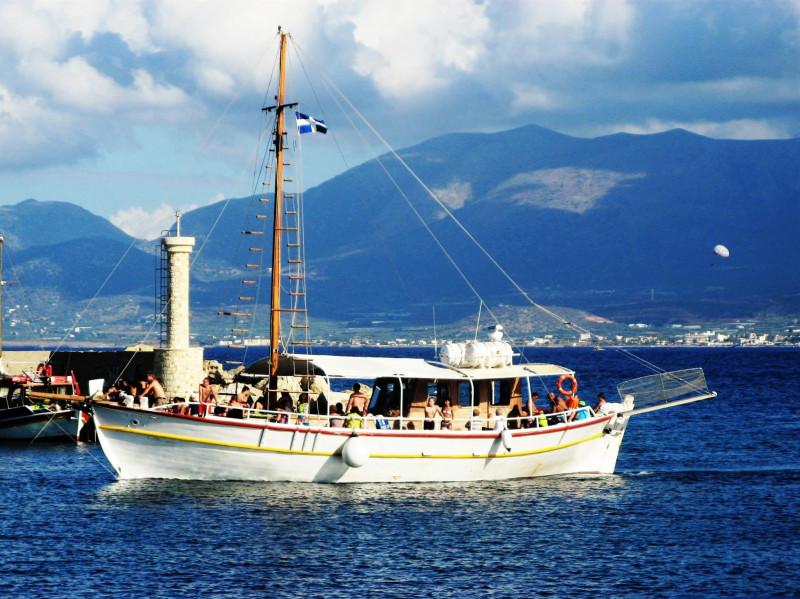 Остров Крит. Синее море, белый пароход...