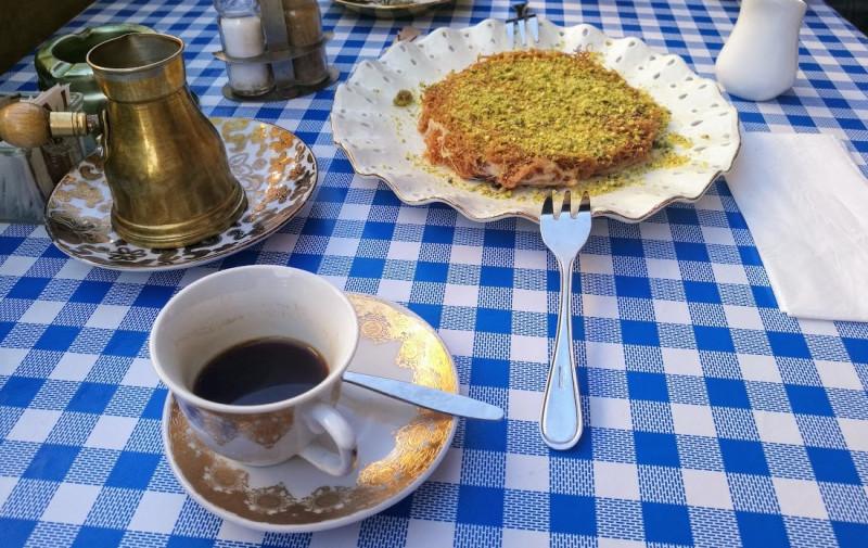 В кафе Басма