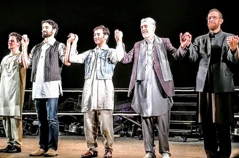 """""""Бегущий за ветром"""" Халледа Хусейни -ошеломляющий спектакль. Заключительная сценв"""