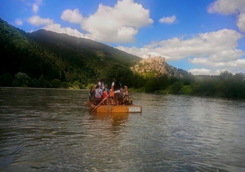 На плотах по реке  Ваг