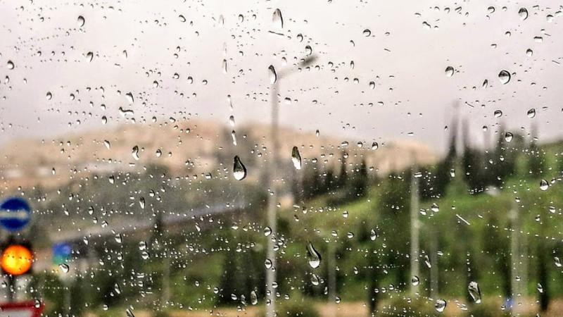 Дождь  усиливался