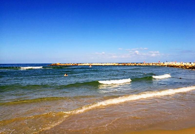 Средиземное море. На волнах