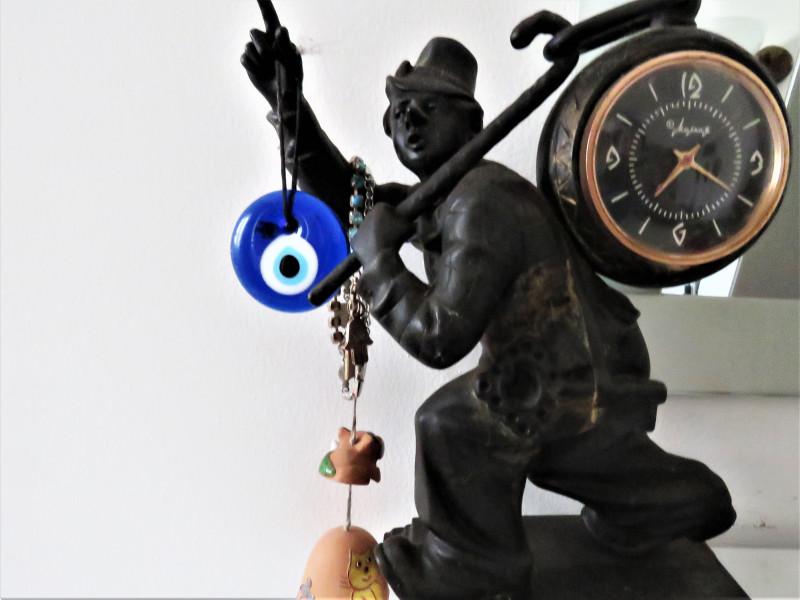 Часы из  каслинского литья