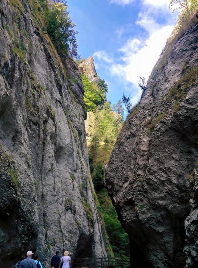 Настоящие скалистые горы.