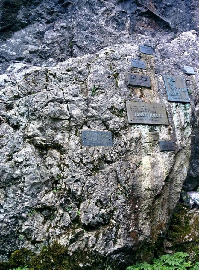 Память тем, кто остался в горах.