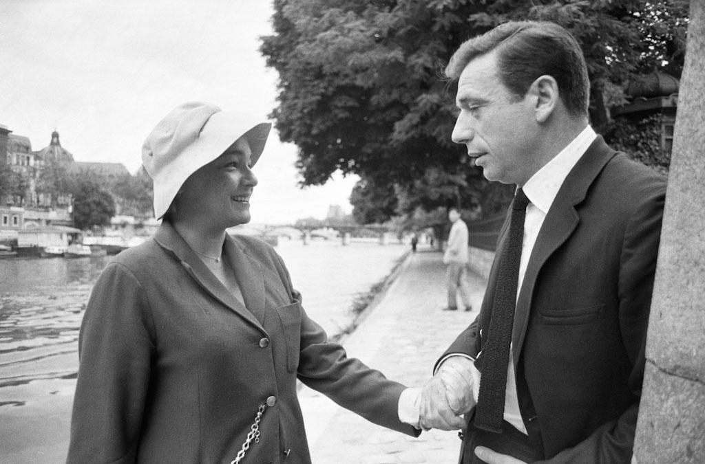 5_Simone_Signoret_et_Yves_Montand._1960_J.Garofalo_Paris_Match-4
