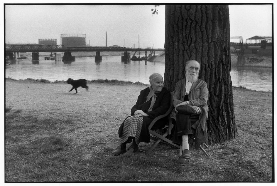couple 1956ivry sur seine hcb