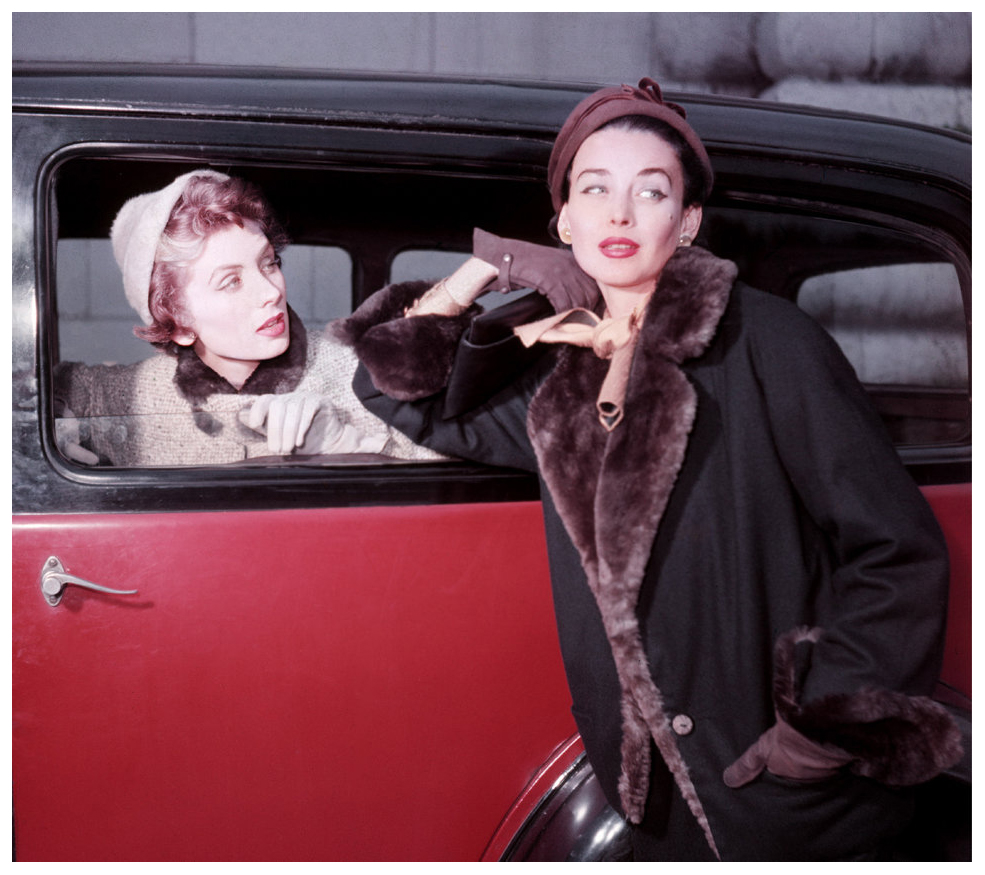 the-two-sisters-suzy-and-dorian-for-elle-winter-collection-paris-1953-photo-georges-dambier
