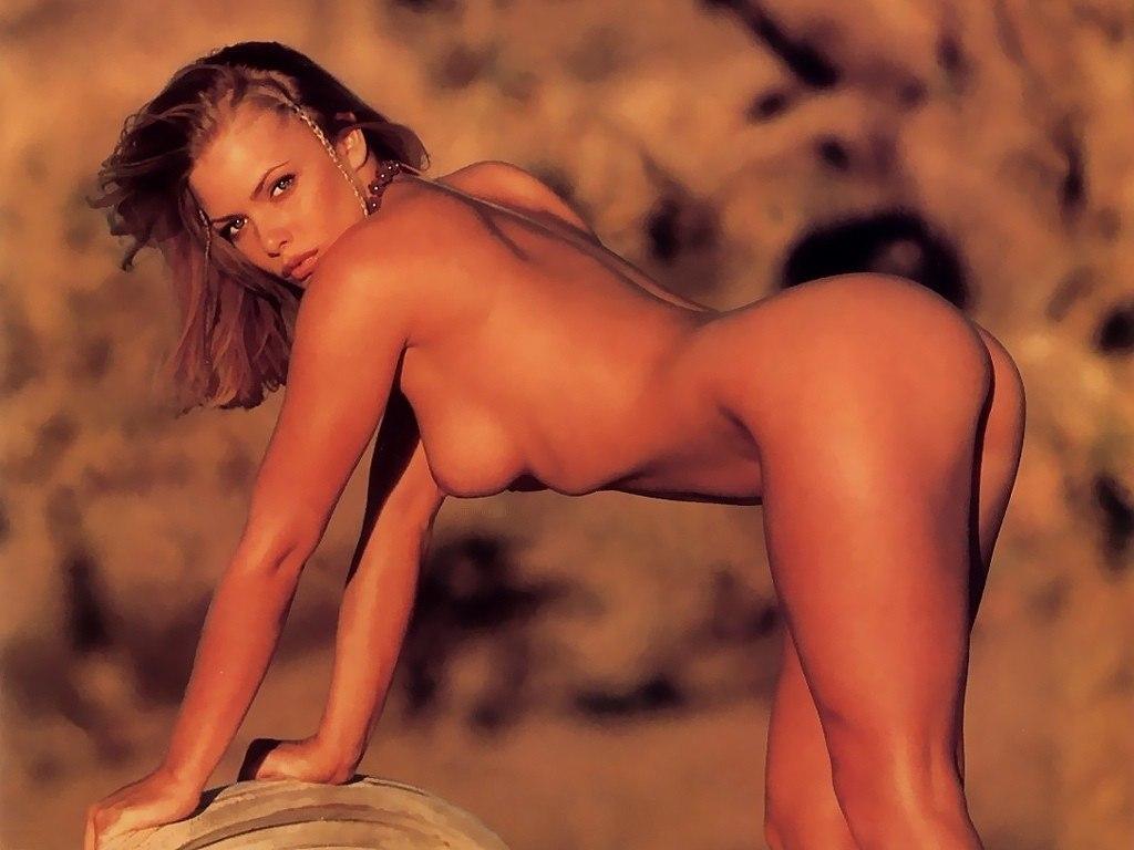 Jaime pressly sexy nude photos #2