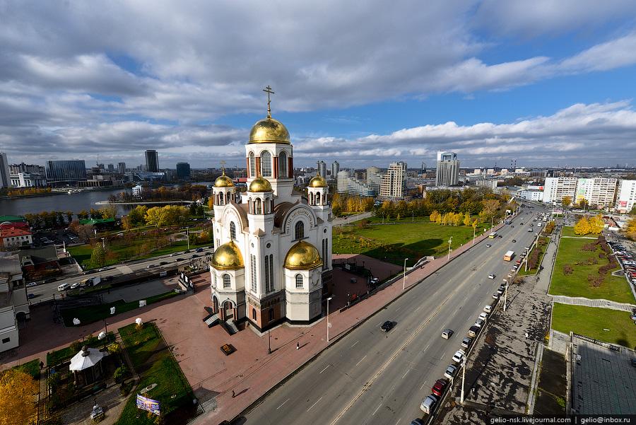 Hram-na-krovi-Ekaterinburg
