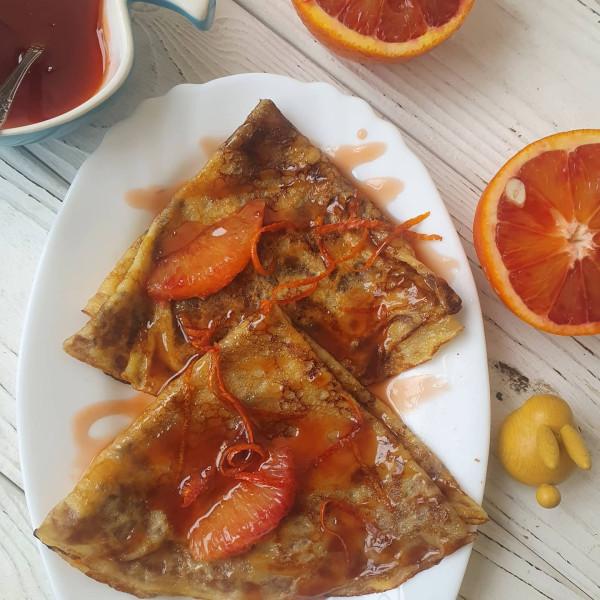 Апельсиновые блинчики с соусом Креп Сюзетт