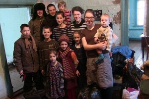 И ещё раз о семье Мартенс: Российское бытие быстро определило сознание сектантов.Фанатичные дебилы,бля(c)