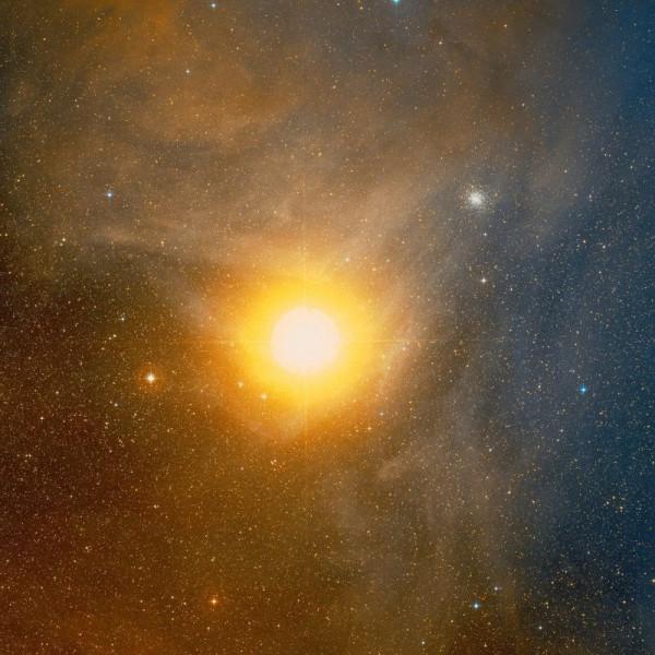 Antares-yarchayshaya-zvezda-v-sozvezdii-Skorpiona.jpg