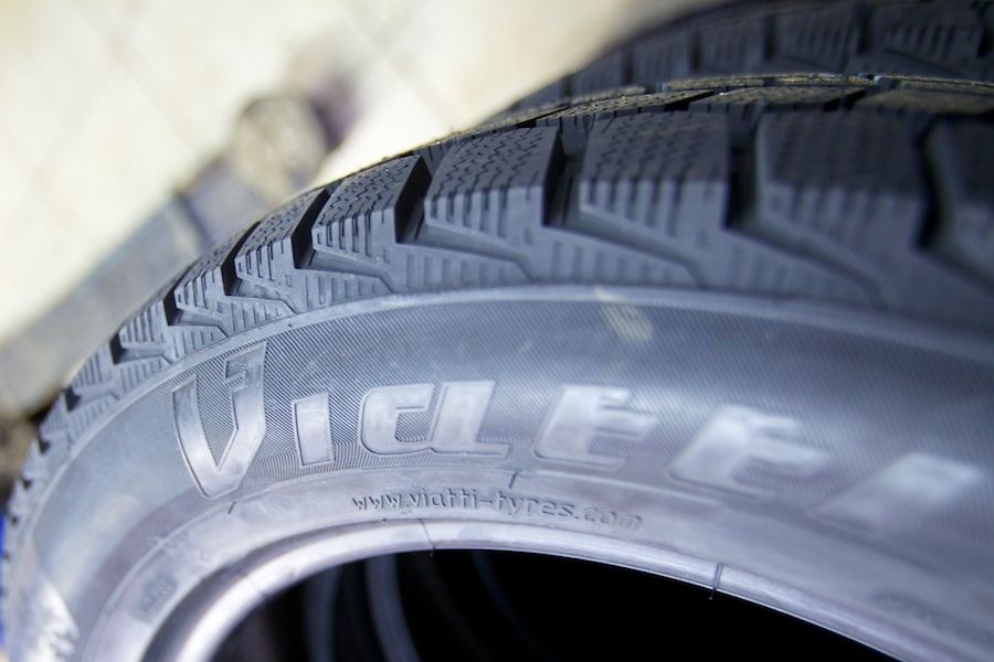 20121116_TIRES_001