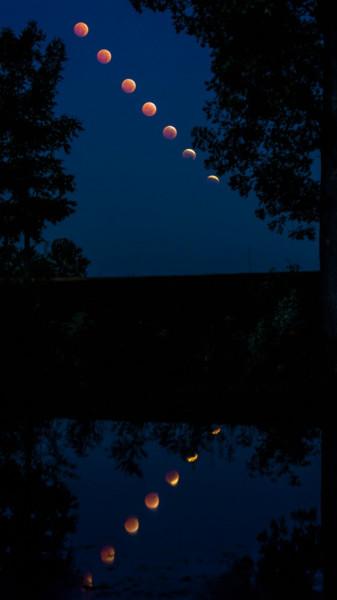 eclipse-moon-reflection-10-8-2014-Greg-Lepper-Ashland-IL-e1421921898887