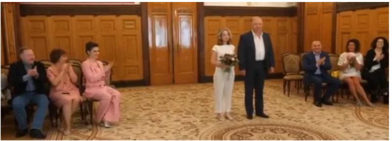 Андрей Караулов и внучка Киры Прошутинской Варвара
