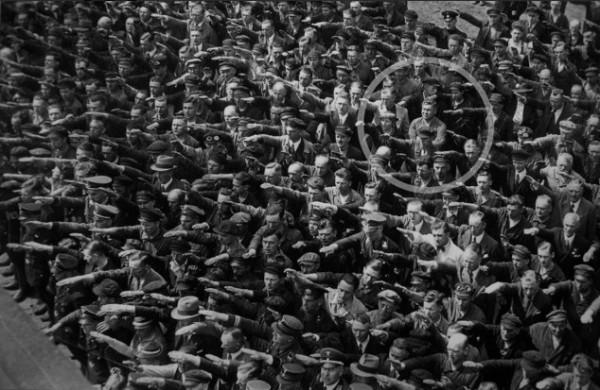 1334941927_no-nazi-salute-01-634x413