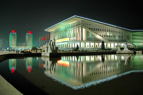 Пхеньян ночью