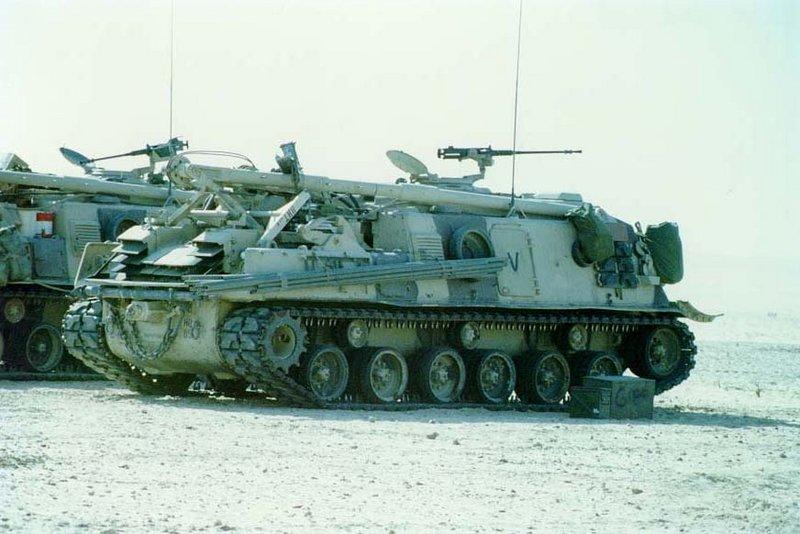 800px-M88A1-ARV-gulf-war[1]