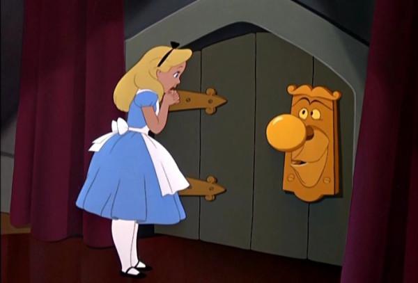 alice-doorknob