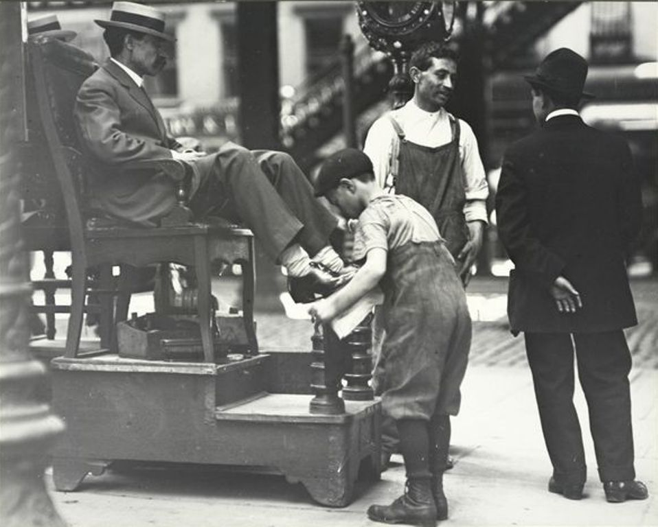 Уличная чистилка для обуви 132