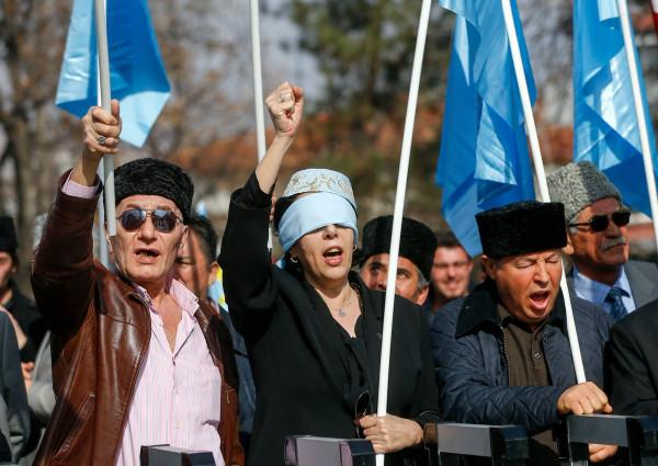 Так ты еще и крымских татар подкупил?!