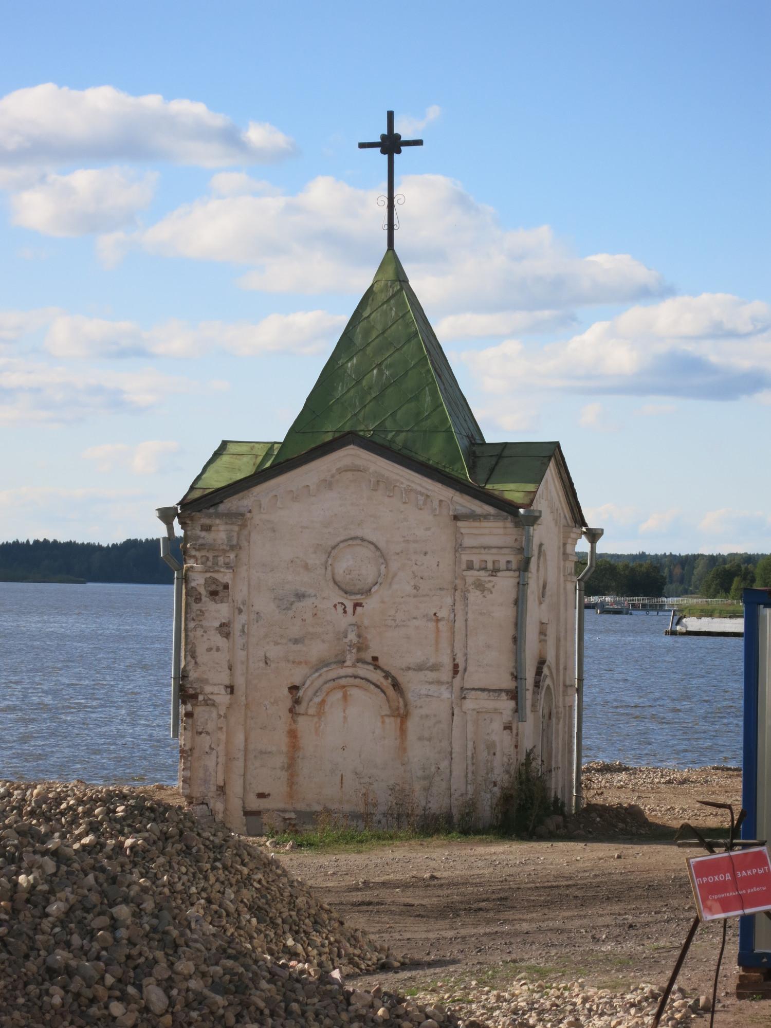 В 1905 году при игуменье Адриане были построены монастырская пристань и каменная часовня в честь Иоанна Предтечи напротив северо-западного угла монастыря.