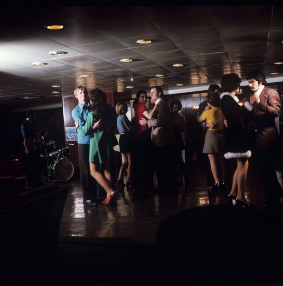 Русский разврат в ночных клубах 22 фотография