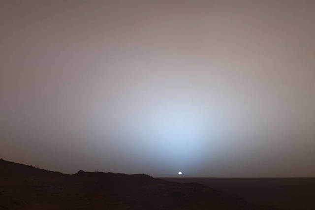 http://serious-science.org/what-color-is-the-sky-on-mars-7310