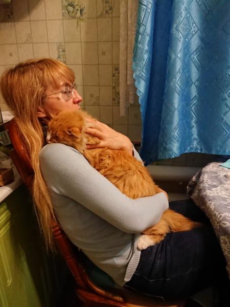 Когда приходишь домой поздно, а по тебе скучает котик IMG-20201119-WA0035.jpg