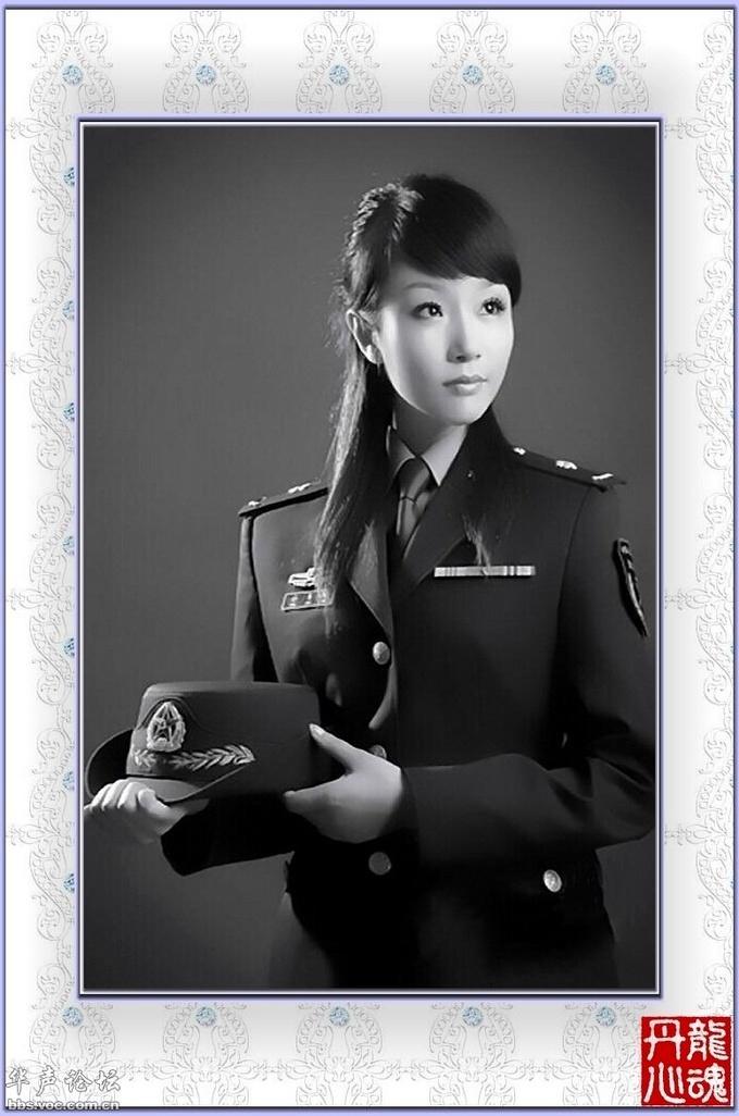 китаянка в военной форме