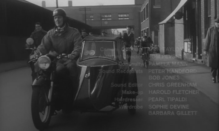 Saturday Night Sunday Morning старинный мотоцикл с коляской