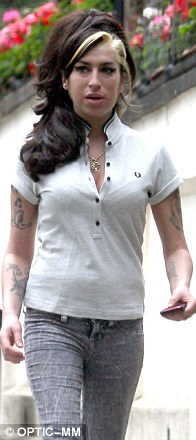 Amy Winehouse Signs Of Life When Help Arrived Ohnotheydidnt Livejournal