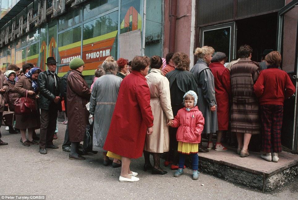 СССР, очередь магазин