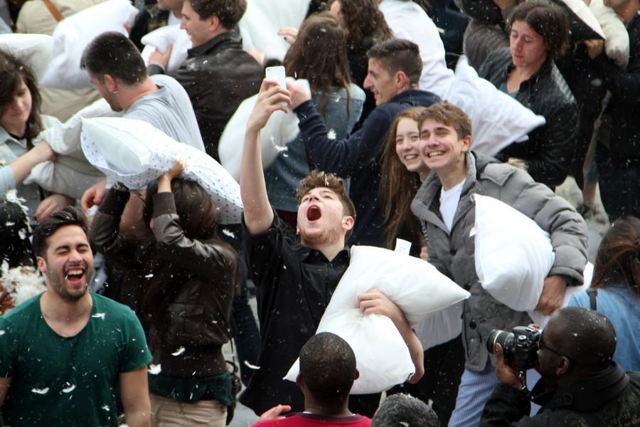 Бой подушками на Трафальгарской Площади