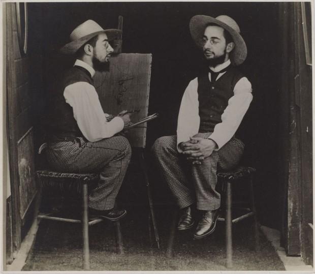 Тулуз Лотрек рисует свой автопортрет.