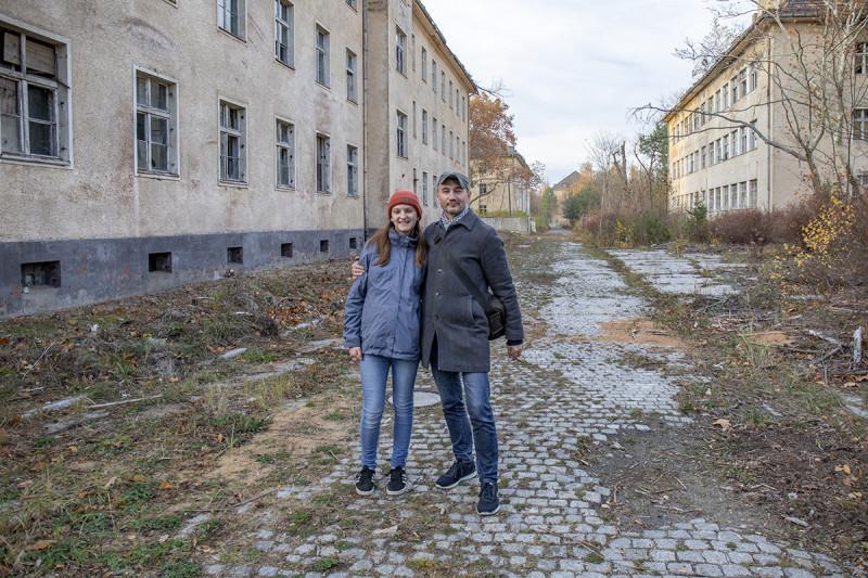 С дочерью в бывшей советской воинской части в городке Вюнсдорф. 2018 год