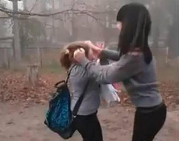 14-летней дали 30-суток за избиение сверстницы
