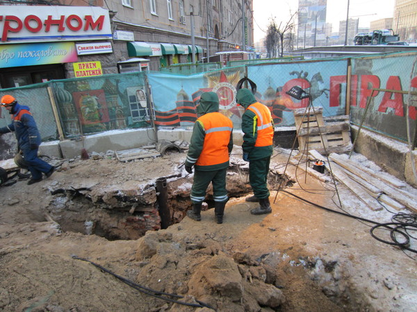Потоп у станции Метро Сокол. 0002fh04