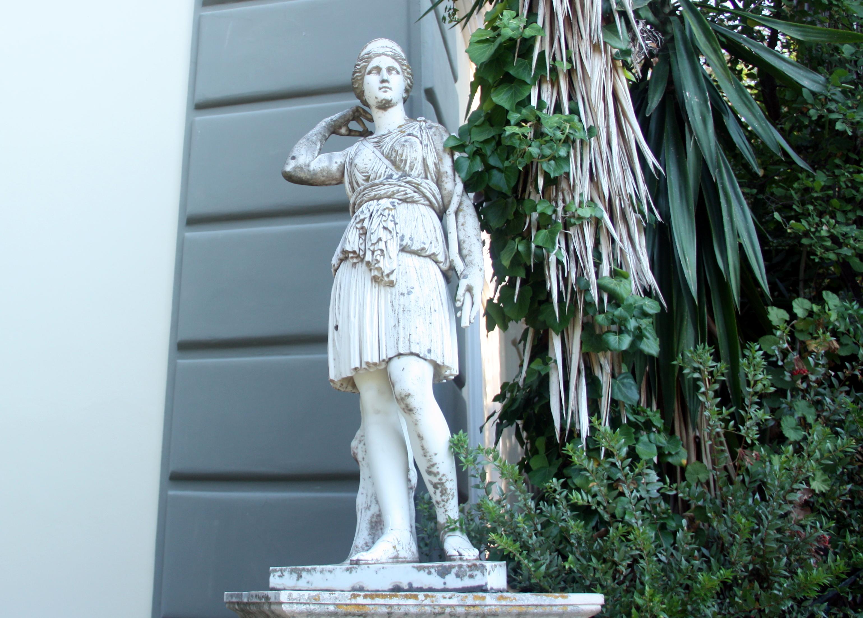 статуи сада...