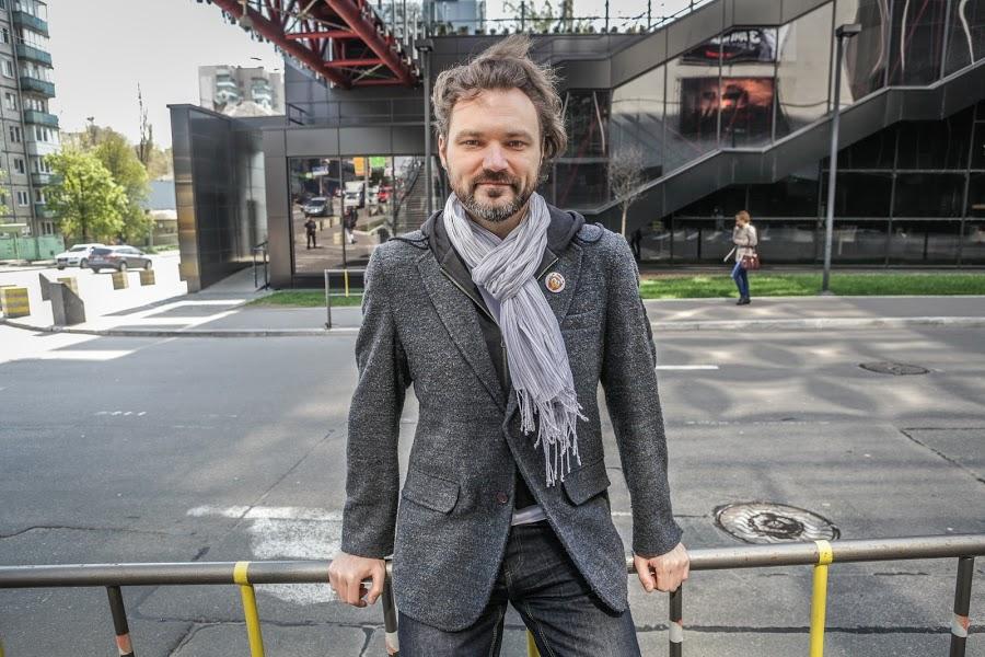 2014.04.18 Gazeta Interview 02 900