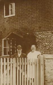1934 - Norfolk - Tom, Clara Mash