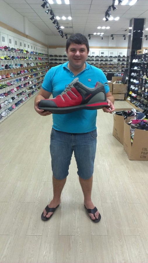 Jeka+big shoes