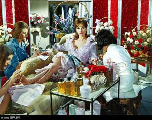 elsa-martinelli-the-vips-international-hotel-1963-BPA85A