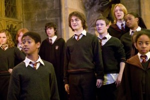 Daniel-Radcliffe-as-Harry-Potter-in-Warner-Bros.-Pictures-Harry-Potter-and-the-Goblet-of-Fire-2005-36-650x432