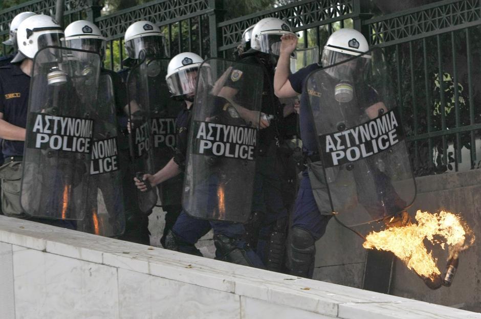 1 Протесты в Греции.